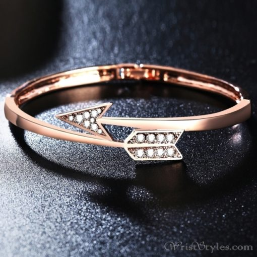 Arrow Rose Gold Bangle UM101999BA