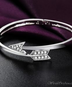 Arrow White Gold Bangle UM870563BA